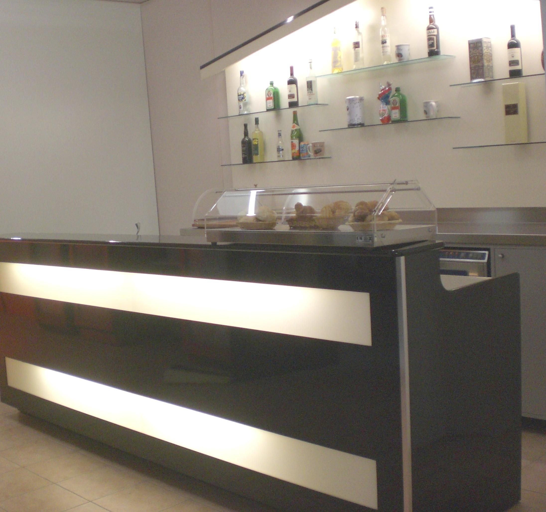 Banchi bar prezzi banchi bar banconi bar banchi frigo for Arredo inox crotone